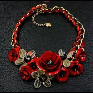BETSEY JOHNSON~ Floral Necklace